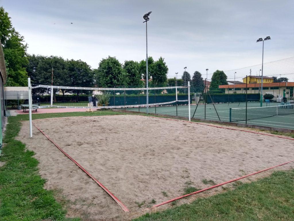 beach volley pozzaglio, campo in sabbia all'aperto, gioco con gli amici
